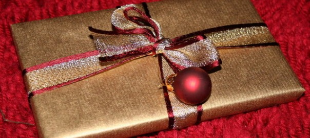 christmas-present-1443606-639x409