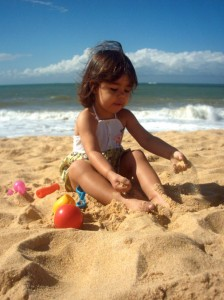 kids-beach-toys-1554289-639x852