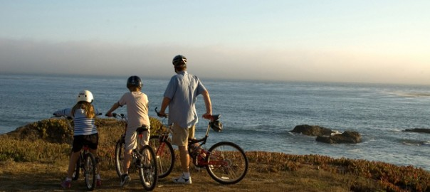 bikes-on-a-cliff-1439703-639x424